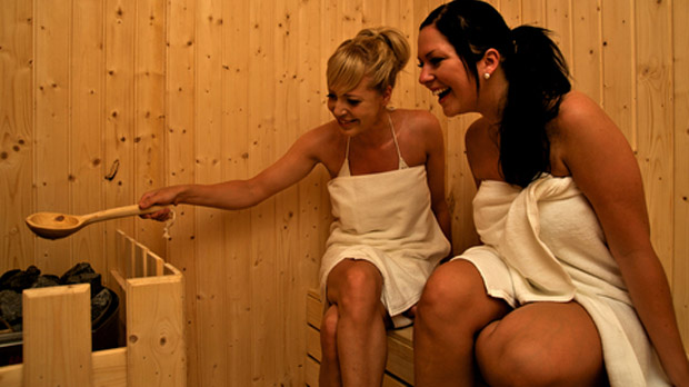 How to Lose Weight Fast in a Sauna